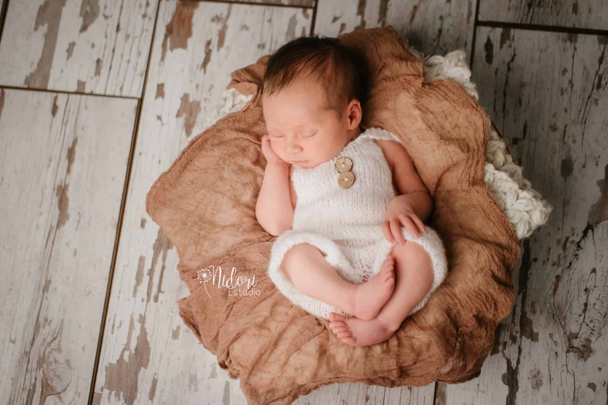 fotosbebe-fotografia-recien-nacido-newborn-bebes-nidoriestudio-fotos-valencia-almazora-castellon-españa-spain-13